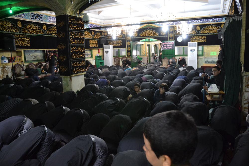 عکس | نماز ظهر عاشورا 1439 بیت الحسن المجتبی (ع)